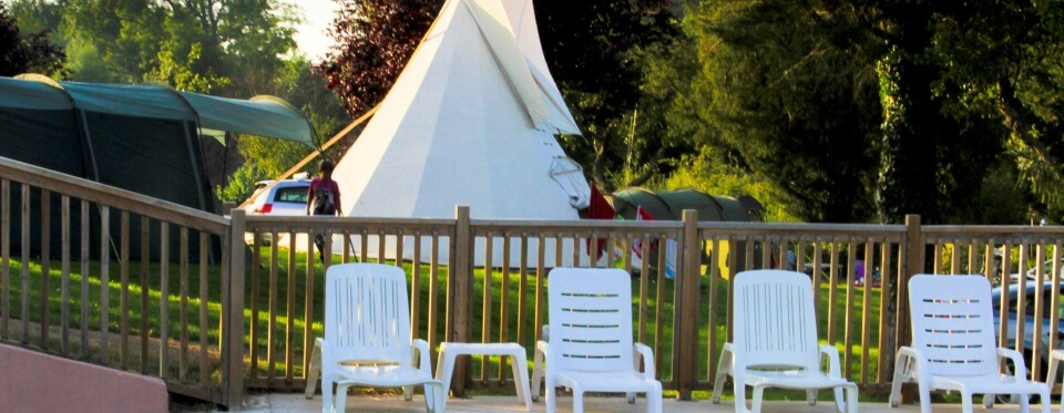 Camping Le Brévedent Calvados - emlacements piscine 3-