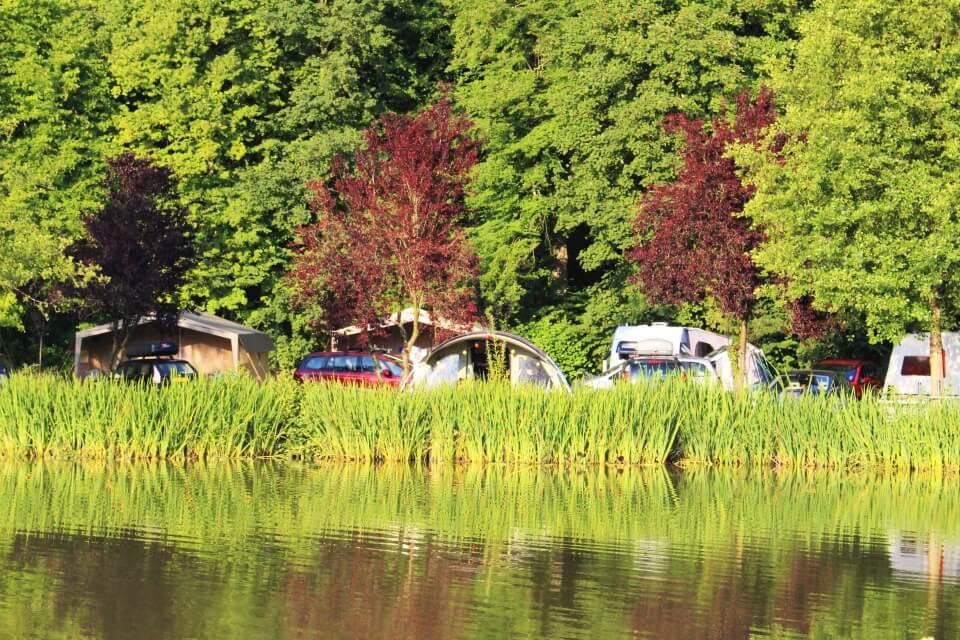Emplacements au bord du lac