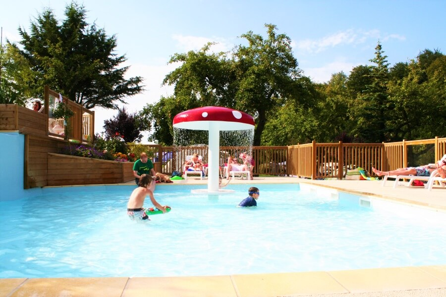 Espace enfants à la piscine