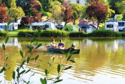 Les musiciens sur le lac